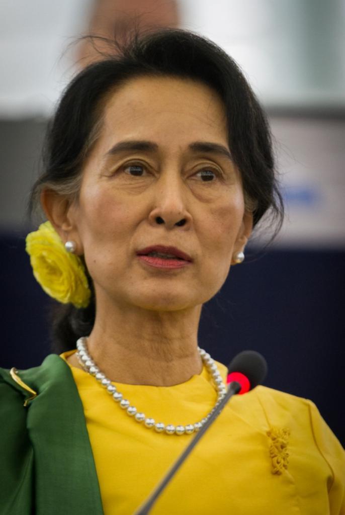 6 Aung San SUU KYI - (née en 1945)